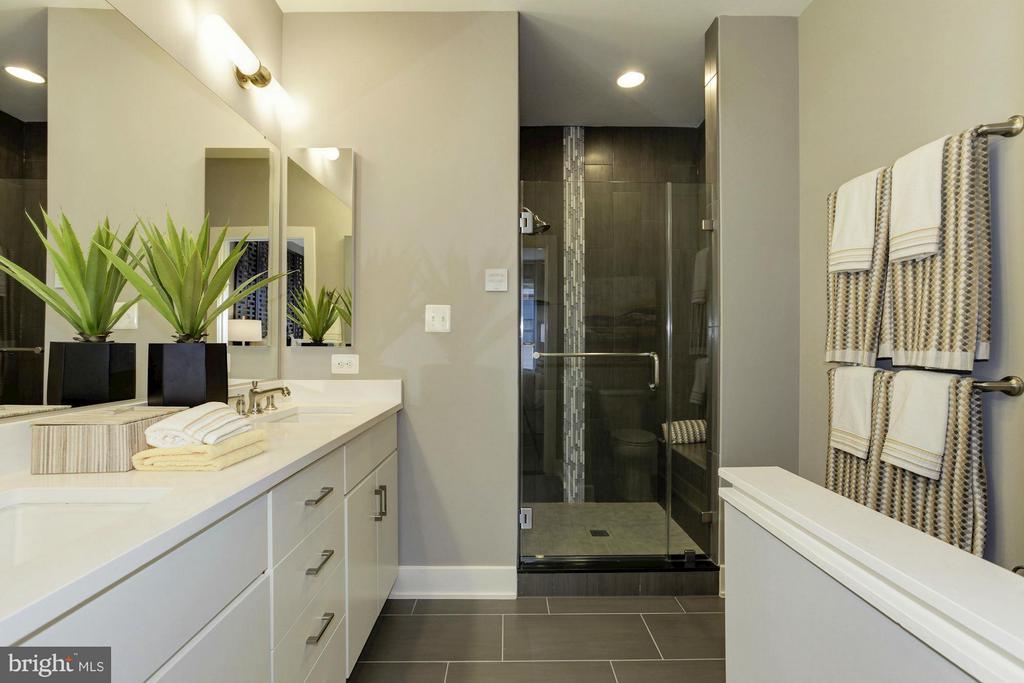 Bath (Master) - 6910 ROCKLEDGE DR #LOT 25, BETHESDA
