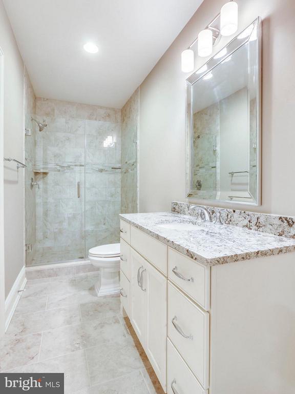 Lower Level Bath - 3200 ABINGDON ST, ARLINGTON