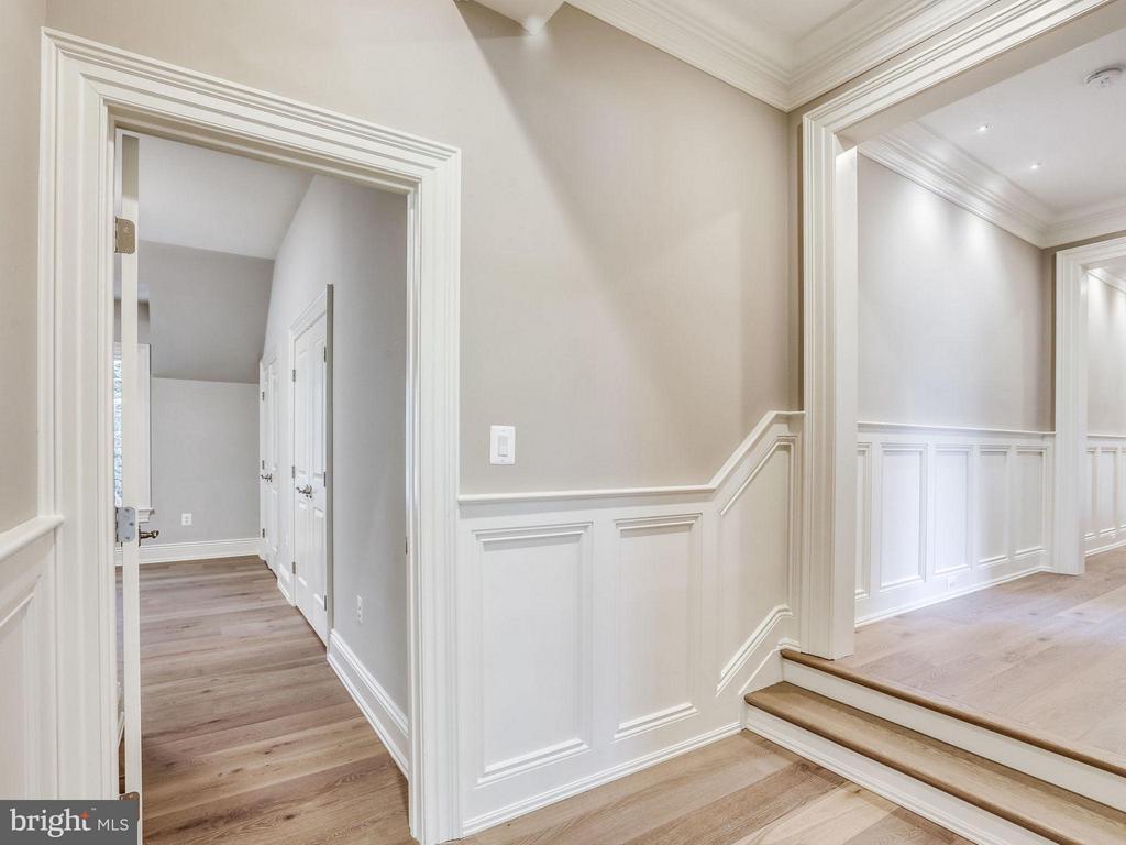 Upper Hall - 3200 ABINGDON ST, ARLINGTON