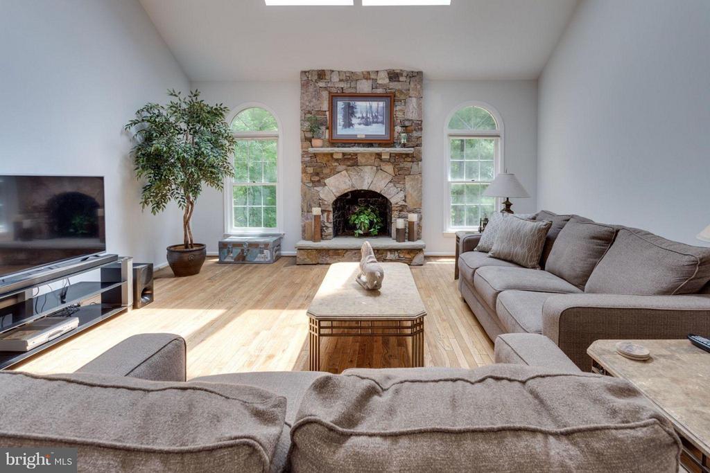 Beautiful stone wood-burning fireplace - 5401 HARROW CT, FAIRFAX