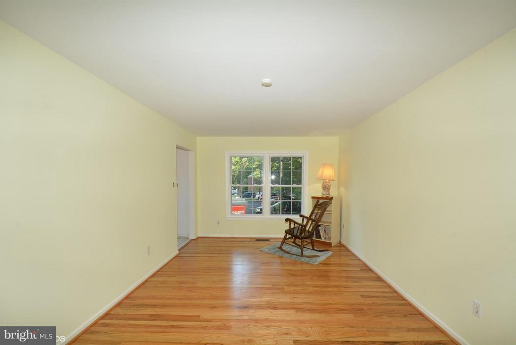 Living Room - 5524 CONISTONE CT, BURKE