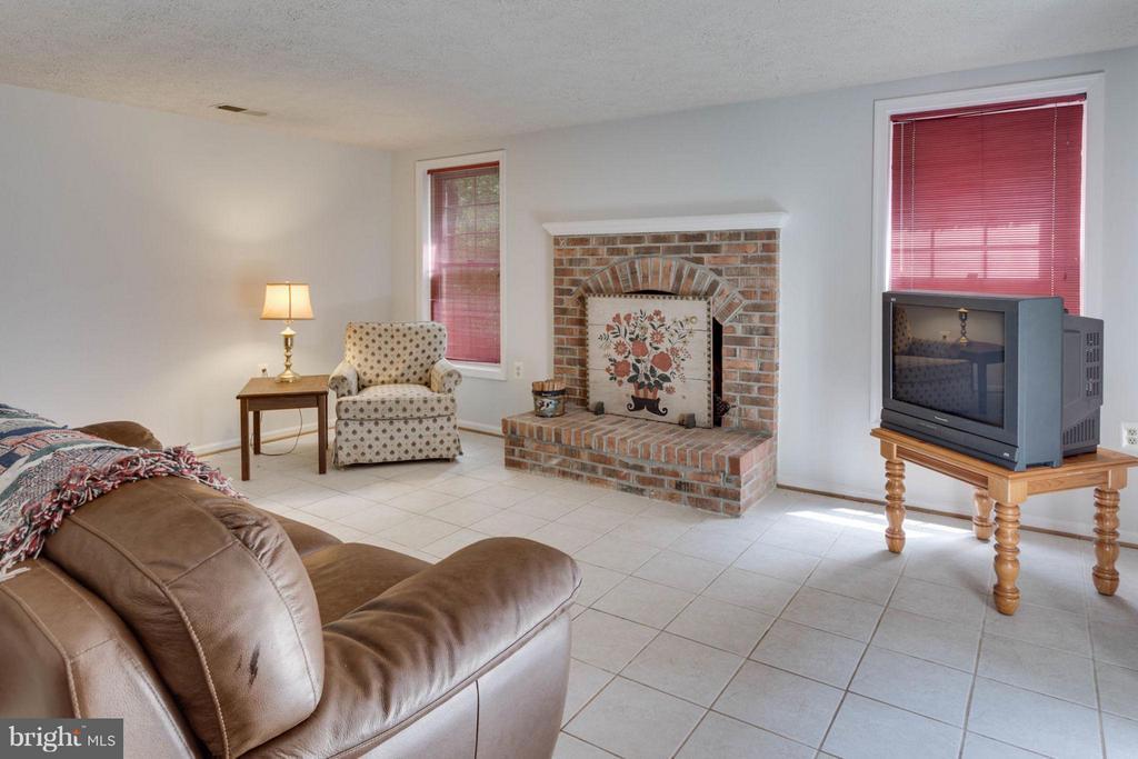 Rec room with wood-burning fireplace - 5401 HARROW CT, FAIRFAX