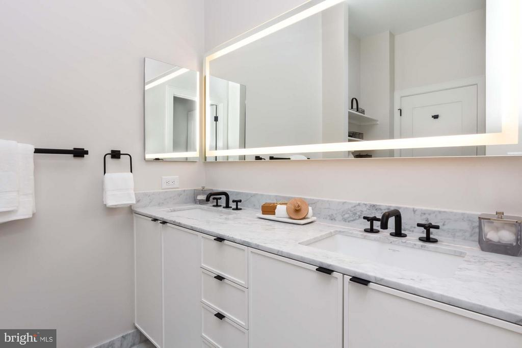 Dual sink vanity, built-in lighting on the mirror - 1313 D ST SE, WASHINGTON