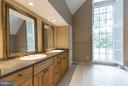 Double vanities, separate tub, walk in shower - 3131 MONROE ST, ARLINGTON