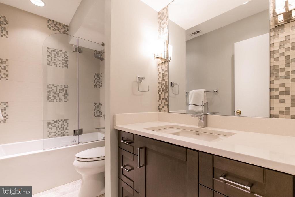 Remodeled hall bathth - 3131 MONROE ST, ARLINGTON
