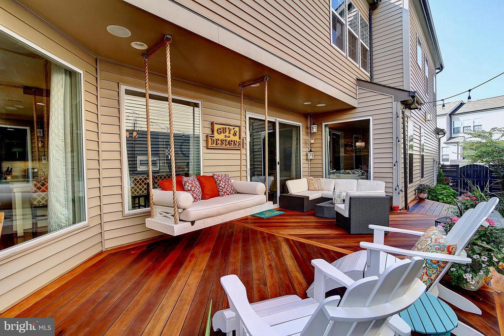 Porch swing to enjoy your outdoor time - 20385 SAVIN HILL DR, ASHBURN