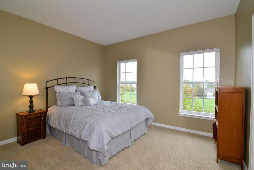 Upstairs Bedroom #1 - 13534 VILLAGE GREEN DR, LEESBURG