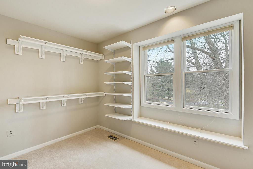 Master Bedroom Sitting Room/closet/Exercise Room.. - 10327 HICKORY FOREST DR, OAKTON