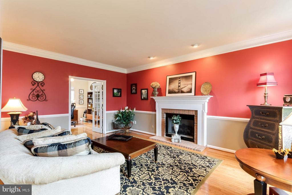 Living Room - 43647 CYPRESS VILLAGE DR, ASHBURN