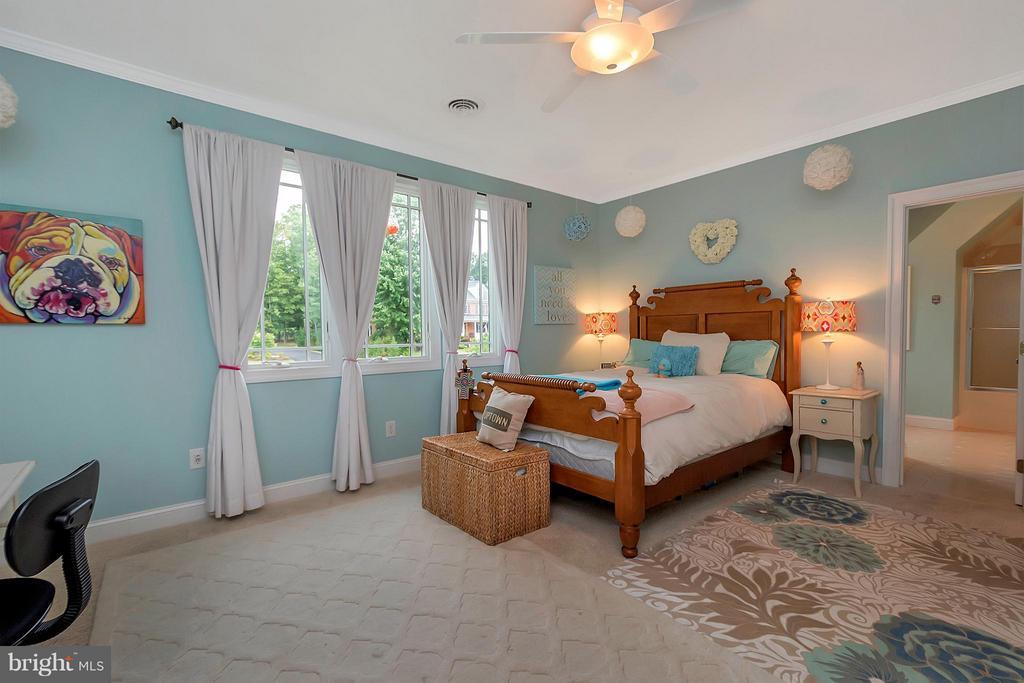 Bedroom #3 with Private Bath, Walk-in Closet - 11403 LITTLE BAY HARBOR WAY, SPOTSYLVANIA