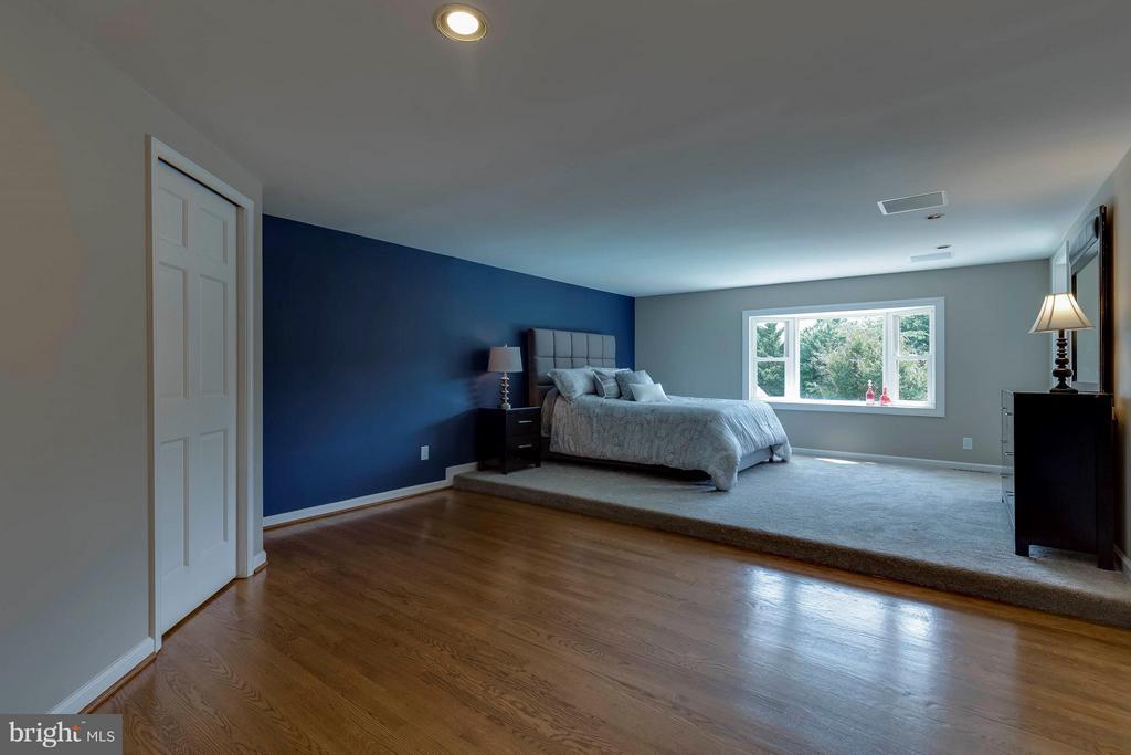 Bedroom (Master) - 2708 CALKINS RD, HERNDON