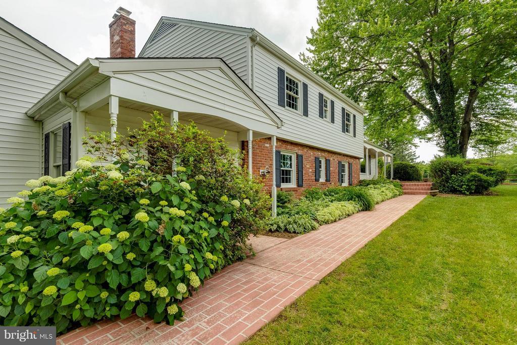 Brick Walkway and beautiful landscaping - 2708 CALKINS RD, HERNDON