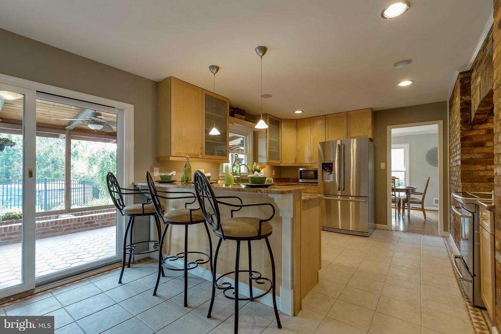 Kitchen - 2708 CALKINS RD, HERNDON