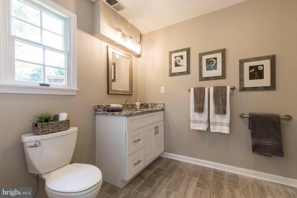 Bath - In-law suite - 2708 CALKINS RD, HERNDON