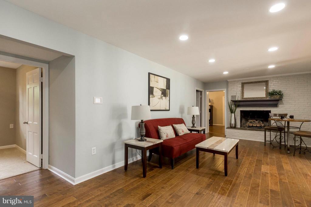 Family Room - 2708 CALKINS RD, HERNDON