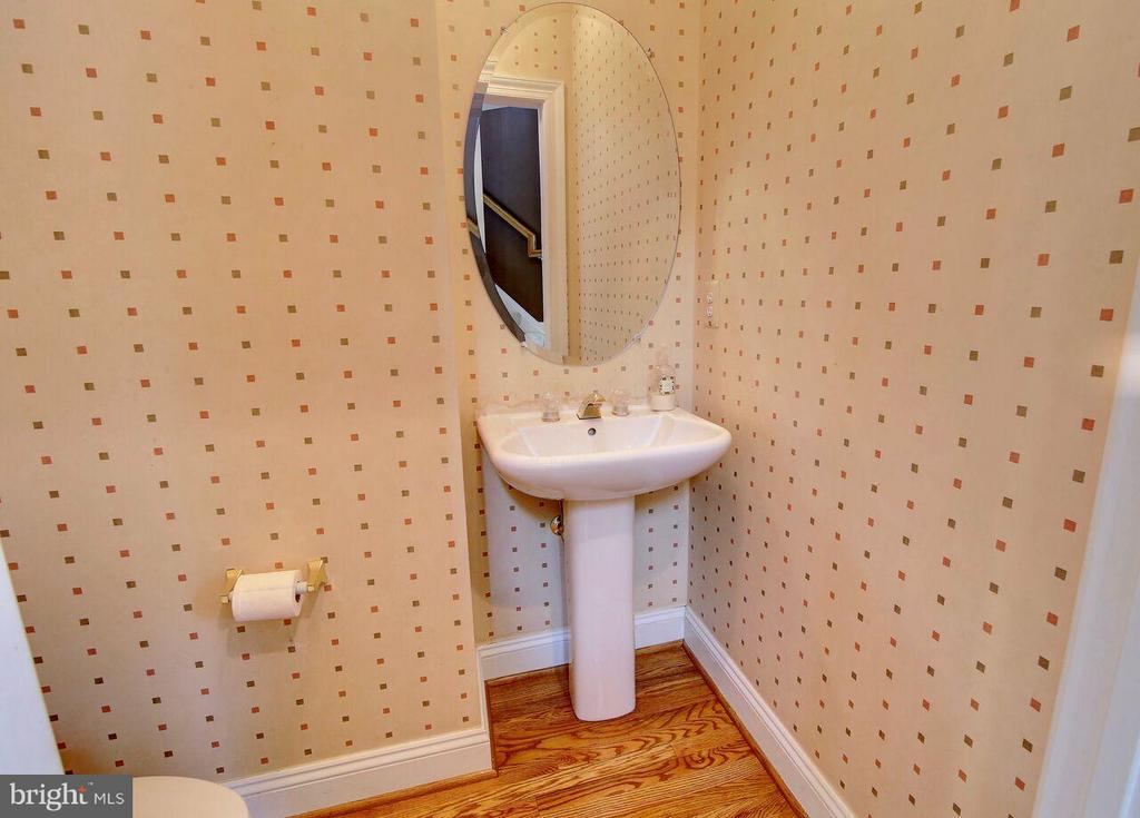 Powder Room - 12070 KINSLEY PL, RESTON