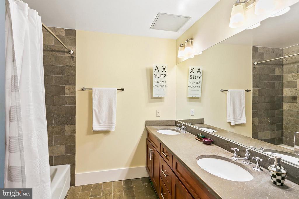 Bath - 1600 CLARENDON BLVD #W212, ARLINGTON