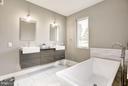 Bath (Master) - 40889 STUMPTOWN RD, WATERFORD