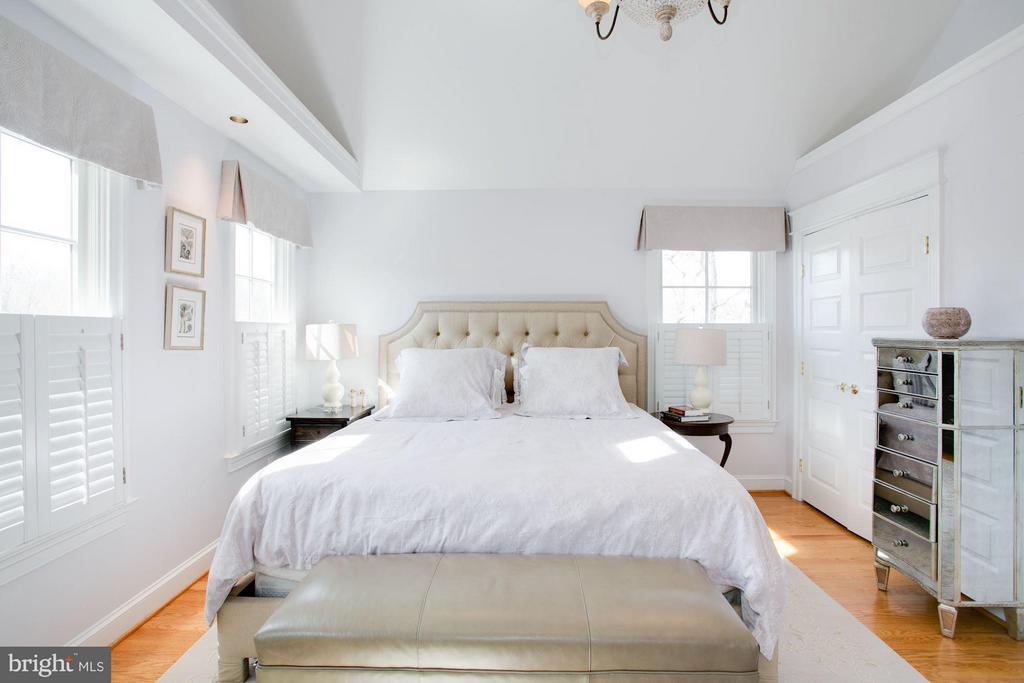 Bedroom (Master) - 606 HUDSON ST N, ARLINGTON
