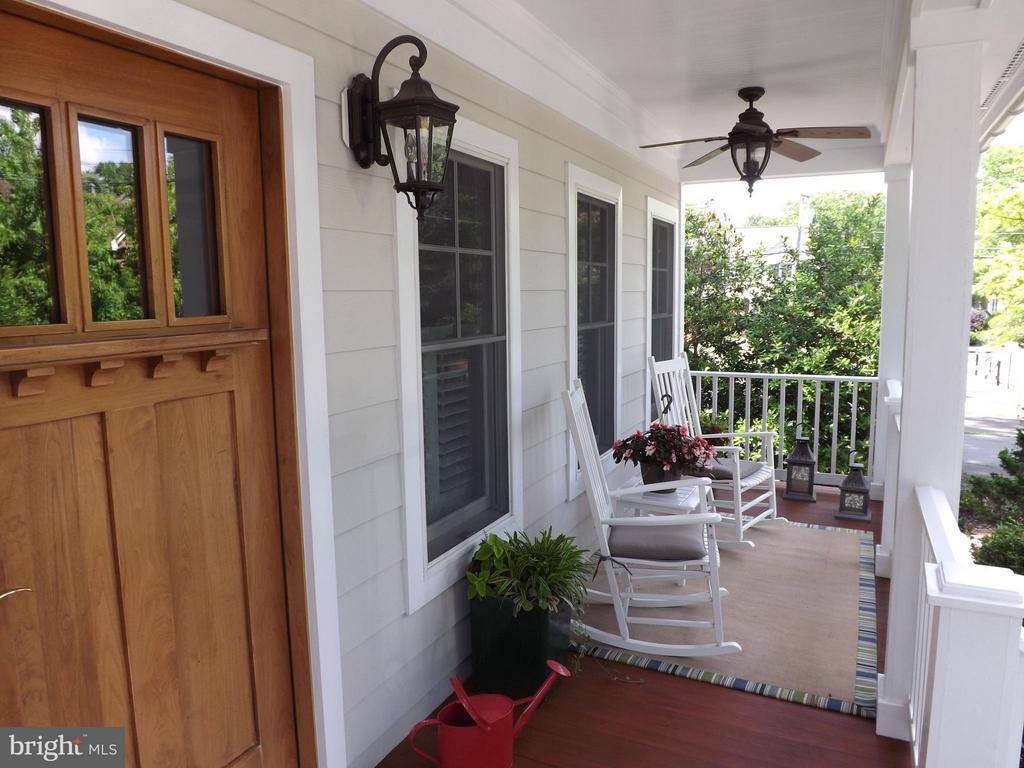 Exterior (Front) - 606 HUDSON ST N, ARLINGTON