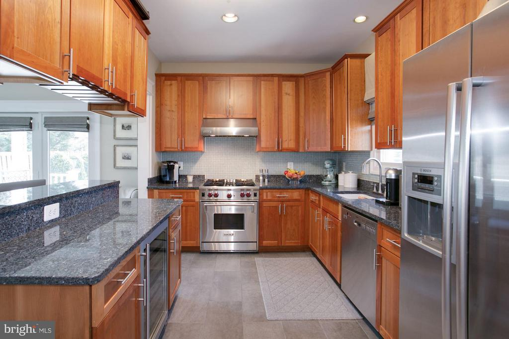 Kitchen - 606 HUDSON ST N, ARLINGTON