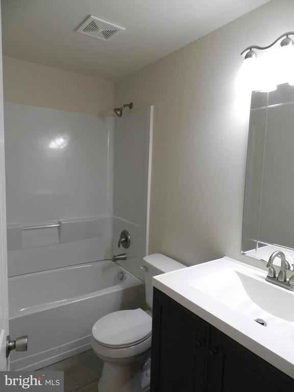 Bath in basement, brand new - 3188 RIVANNA CT, WOODBRIDGE