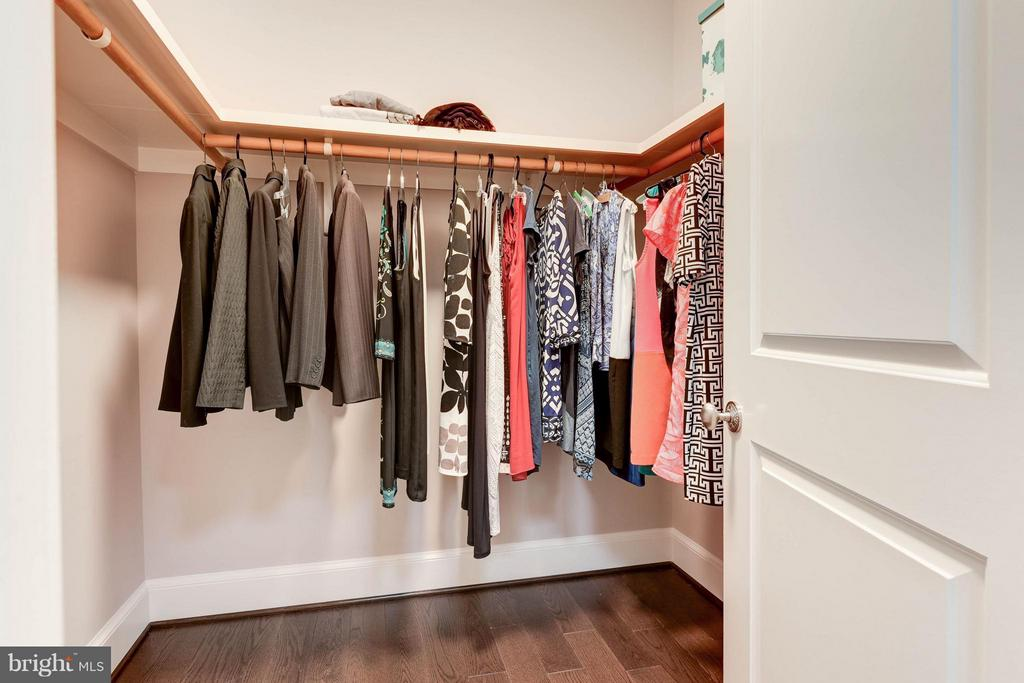 His/Hers Closets - 4117 18TH ST N, ARLINGTON