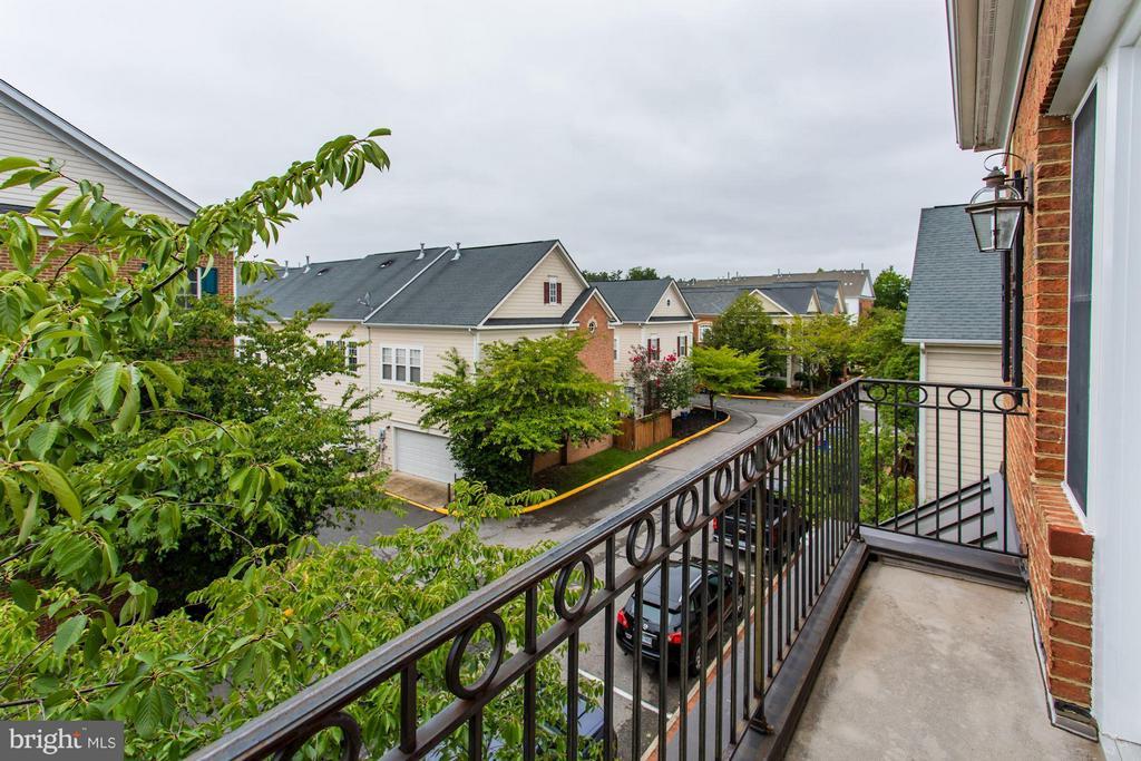 Master Bedroom Balcony - 710 VESTAL ST, WOODBRIDGE