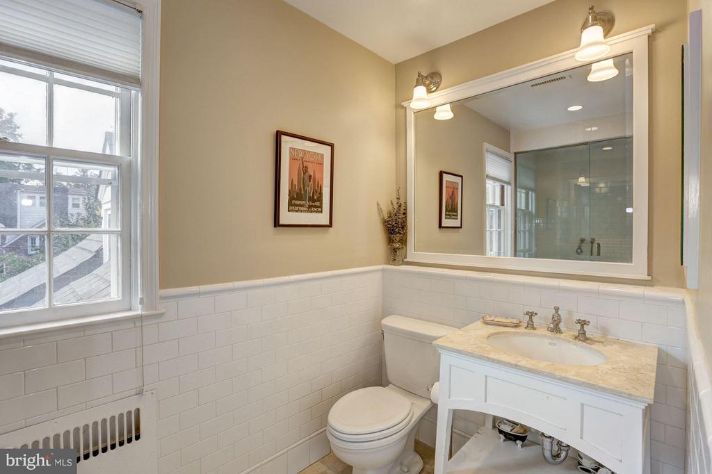 Bath (Master) - 3328 RUNNYMEDE PL NW, WASHINGTON