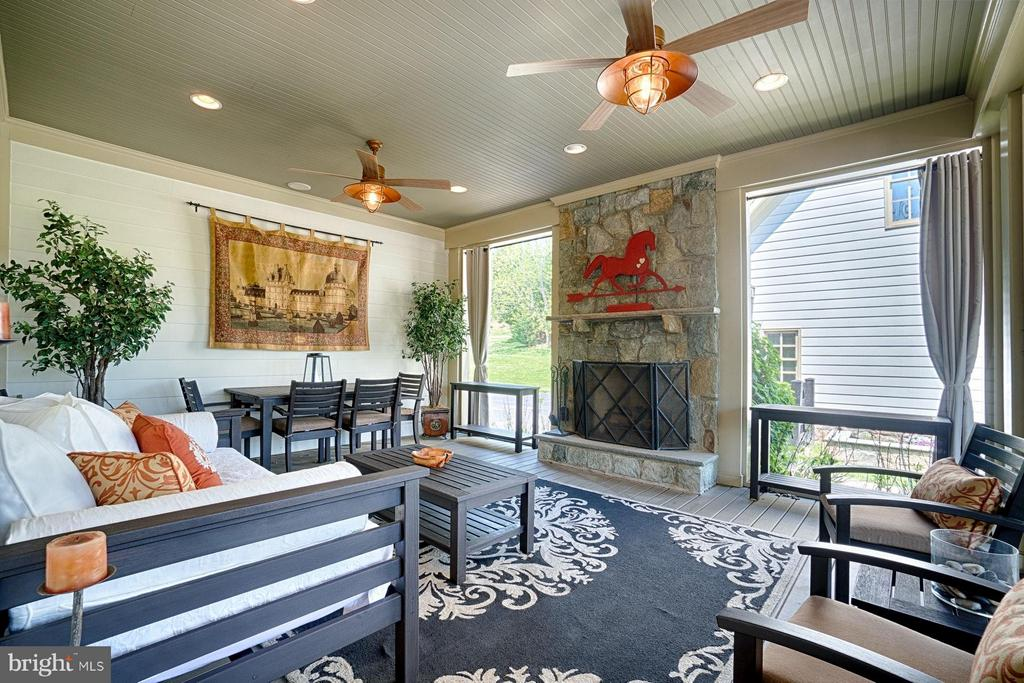 Screened in Porch - 17094 SILVER CHARM PL, LEESBURG