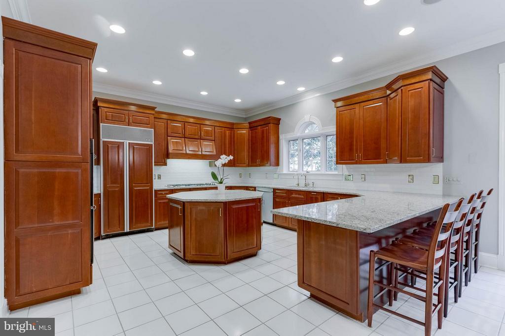 Kitchen - 11102 DEVEREUX STATION LN, FAIRFAX STATION