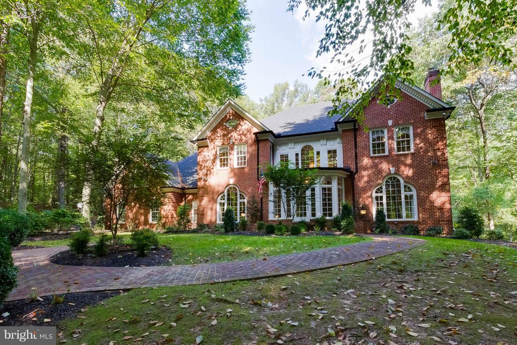 Stunning home with pool on 5 acres - 11102 DEVEREUX STATION LN, FAIRFAX STATION
