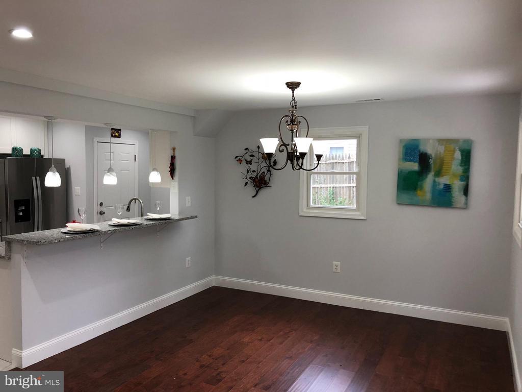 Family Room - 1410 CALIFORNIA ST, WOODBRIDGE