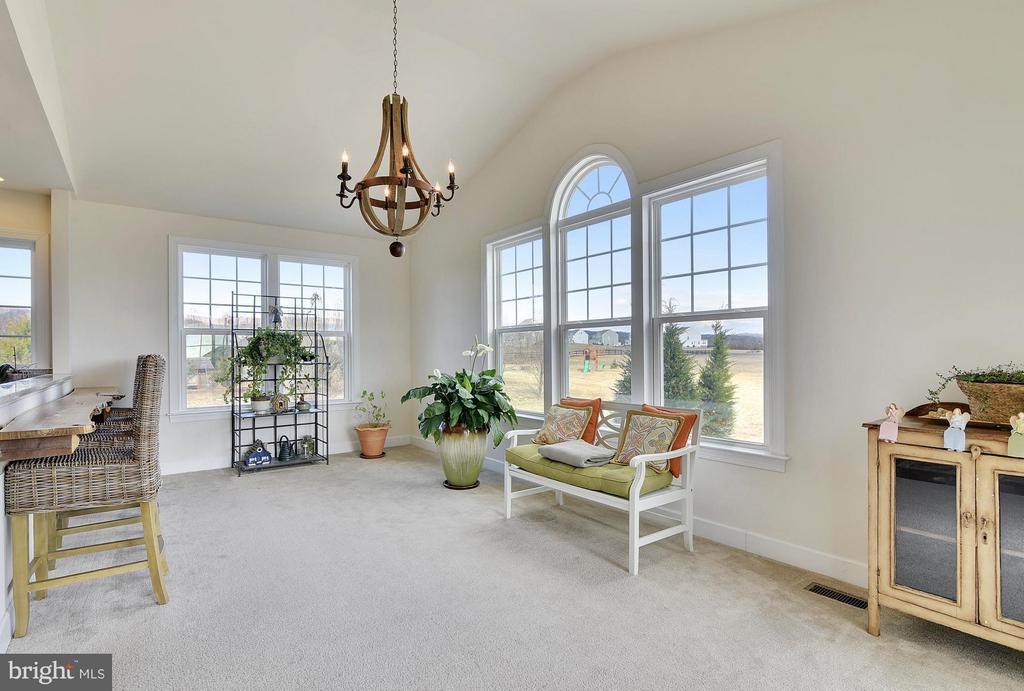 Light Filled Sunroom - 15652 BERKHAMSTEAD PL, LEESBURG