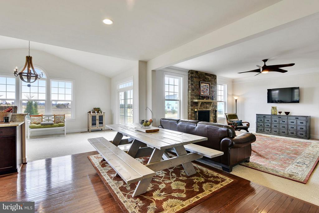 Perfect Space for Family Gatherings/Entertaining - 15652 BERKHAMSTEAD PL, LEESBURG