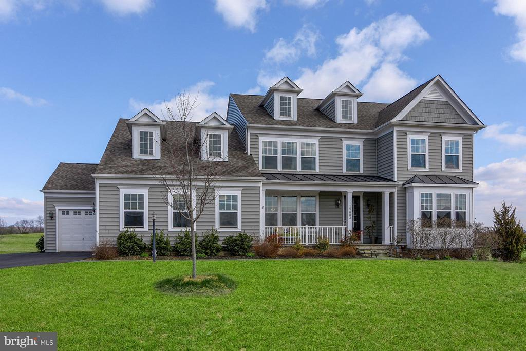 Make This Your Home! - 15652 BERKHAMSTEAD PL, LEESBURG