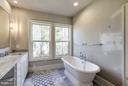 Bath (Master) - 4019 20TH ST N, ARLINGTON