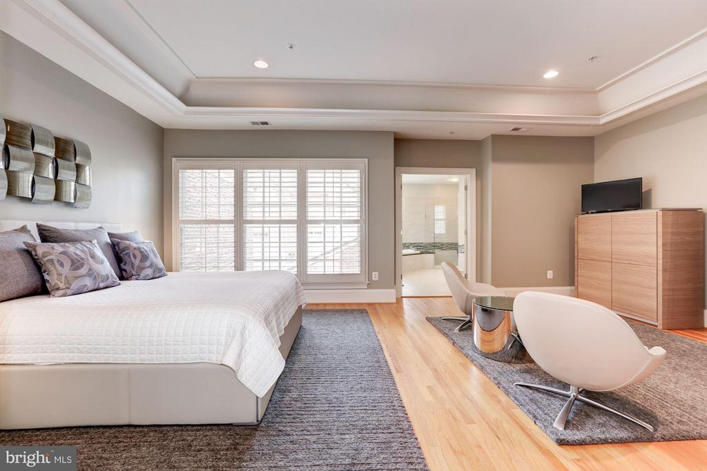 Bedroom (Master) - 5005 CEDAR CROFT DR, BETHESDA