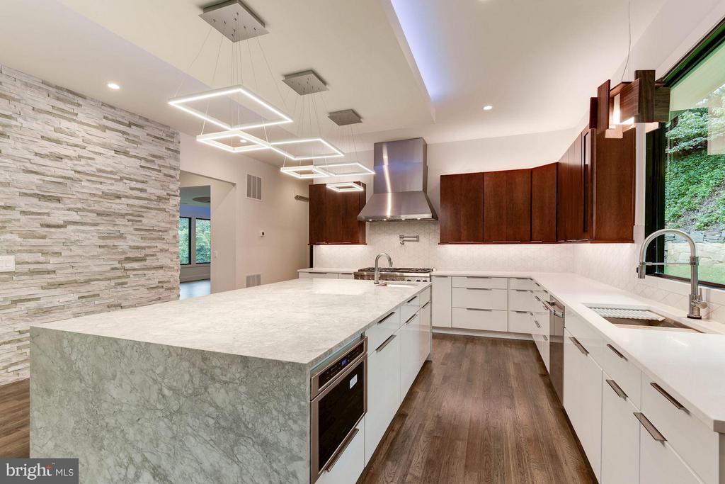 Kitchen - 3546 UTAH ST N, ARLINGTON