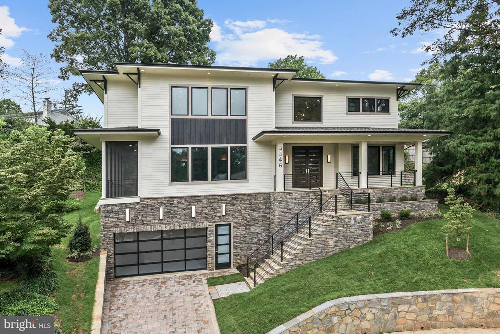 Wow! Amazing Contemporary home in CC Hills! - 3546 UTAH ST N, ARLINGTON