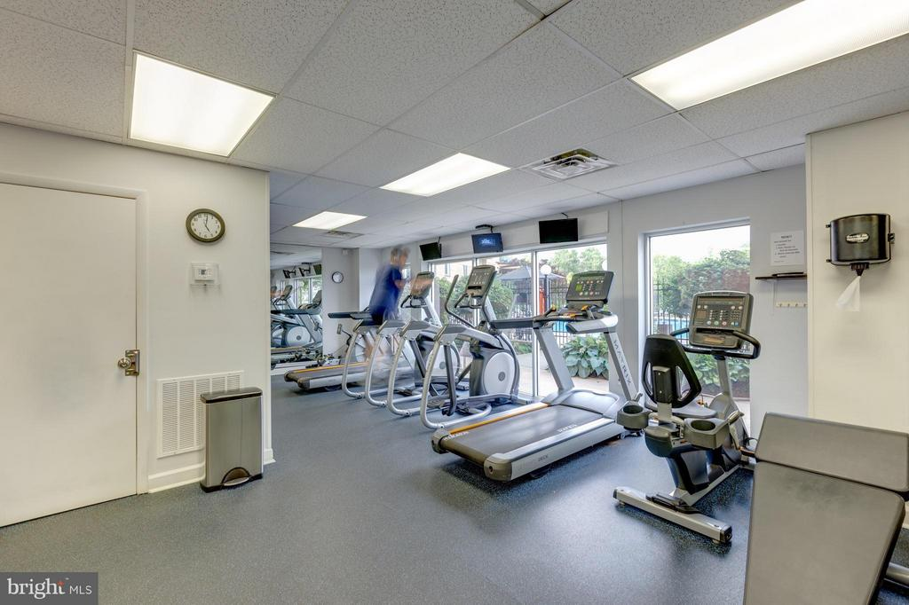 New Gym! - 501 SLATERS LN #1411, ALEXANDRIA