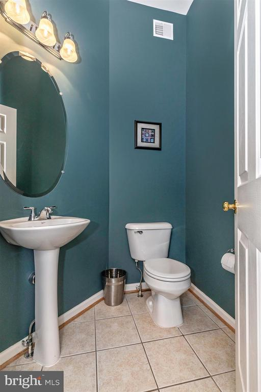 Main Level Powder Room - 5777 MUSSETTER CT, NEW MARKET
