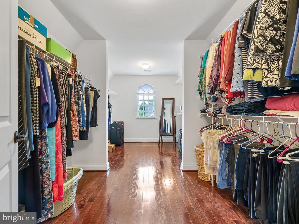Huge Walk-in Closet - 24112 STATESBORO PL, ASHBURN