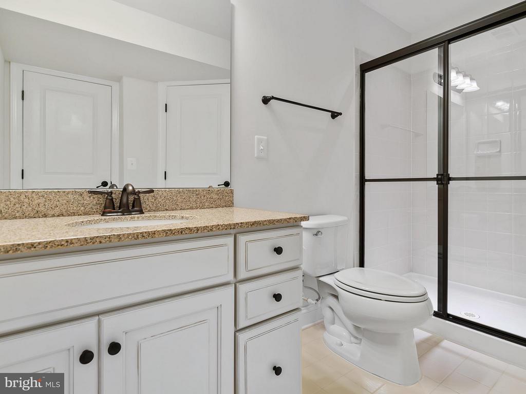 Bathroom - 24112 STATESBORO PL, ASHBURN