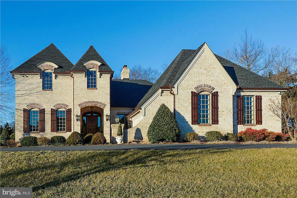Photo of home for sale at 40186 Monroe Valley Place, Aldie VA