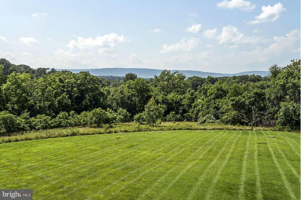 View - 21051 ST LOUIS RD, MIDDLEBURG