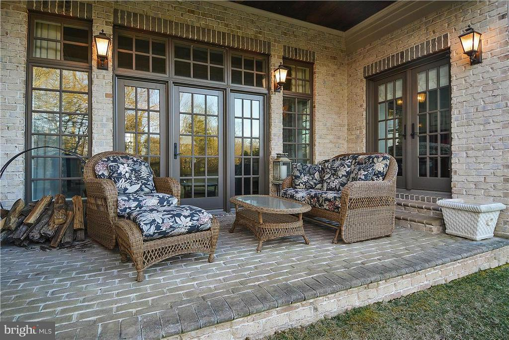 Screened porch - 40186 MONROE VALLEY PL, ALDIE