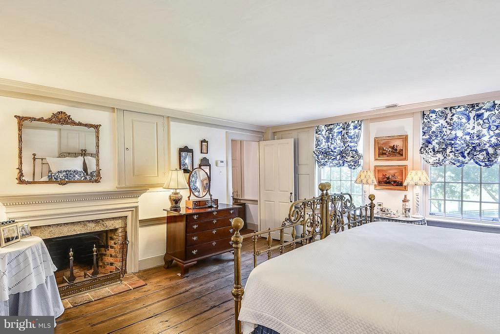 Bedroom (Master) - 35571 MILLVILLE RD, MIDDLEBURG