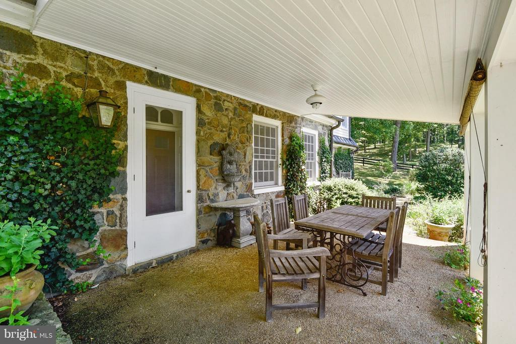 Covered Porch with stunning views - 12198 CREST HILL RD, HUME