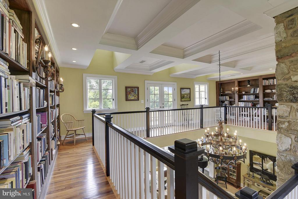 2nd floor library and den - 35387 CREEK RIDGE LN, MIDDLEBURG